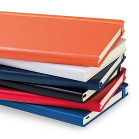 Notes/Notebook Midi-hardback 13 x 21 cm with elastic and ivory paper. Customizable with your logo!